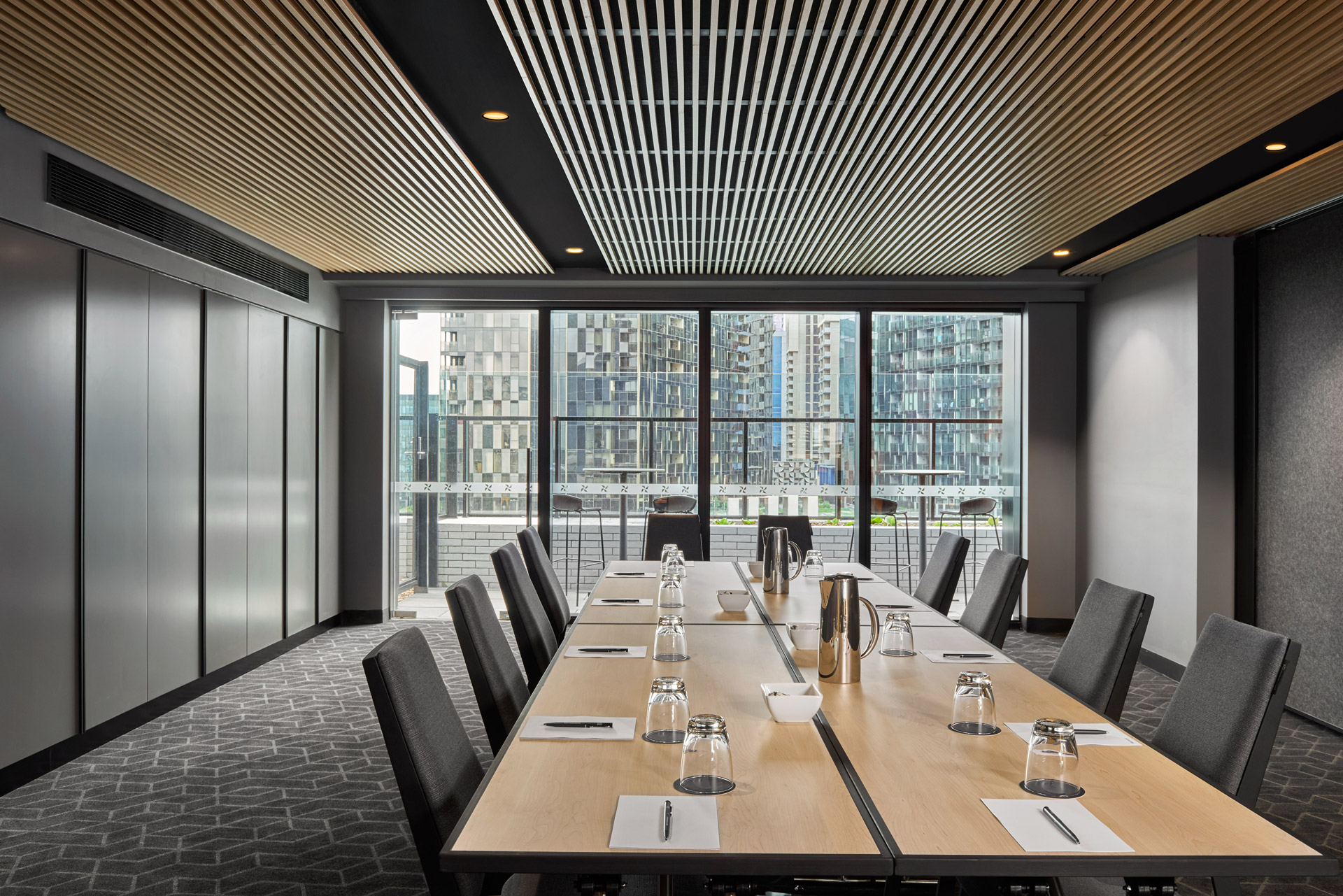 Editor of AMG reviews Four Points, Docklands